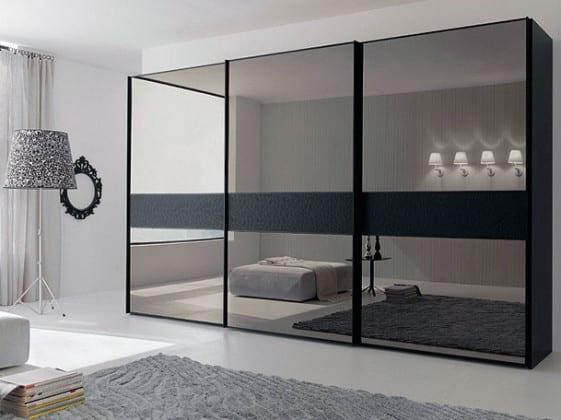 Зеркальный шкаф-купе в гостиную