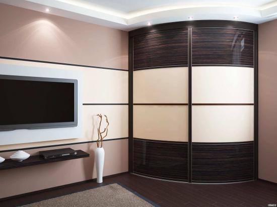 Угловой радиусный шкаф в гостиную