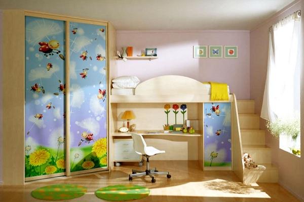 Детская стенка со шкафом, столом и кроватью