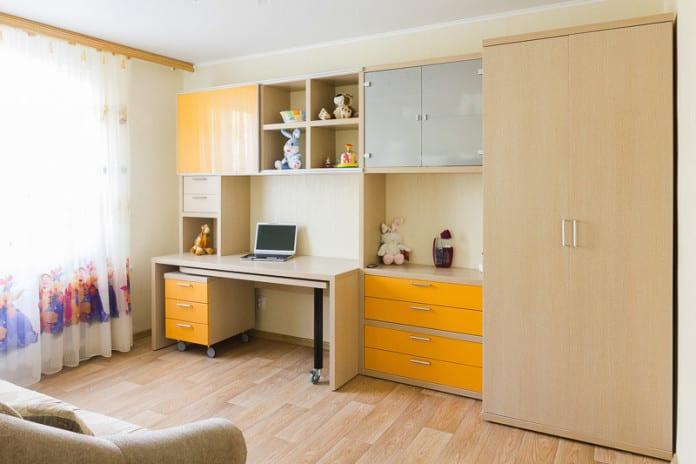 Детская стенка со шкафом и столом