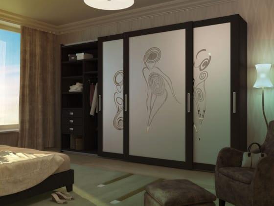Шкаф-купе в спальню с рисунком