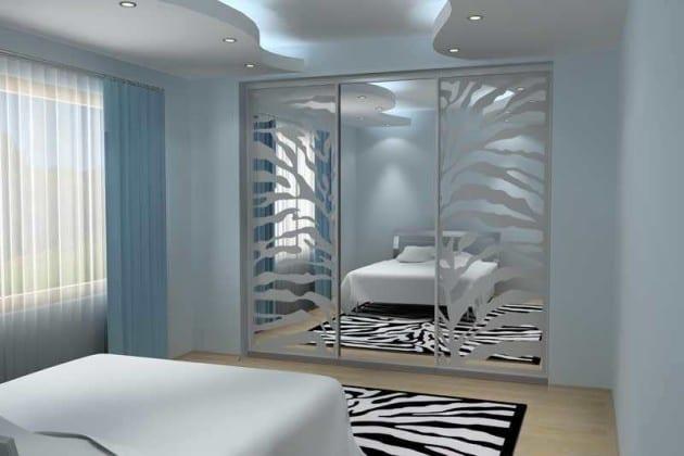 Шкаф-купе в спальню с пескоструйным рисунком