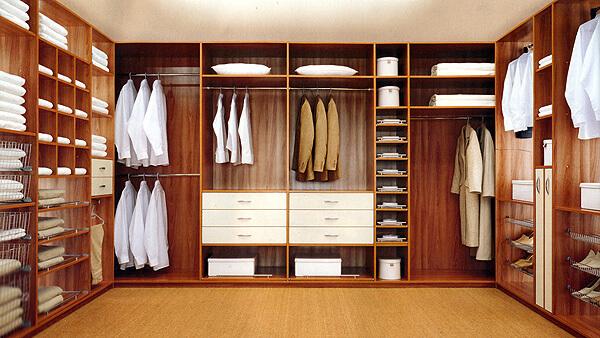 Организация гардеробной комнаты