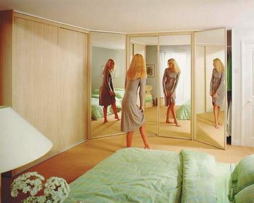Шкафы для спальни угловые