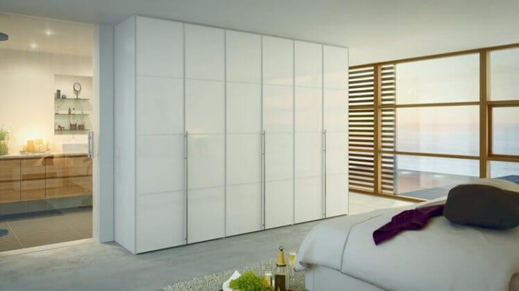 Распашные шкафы для одежды и белья