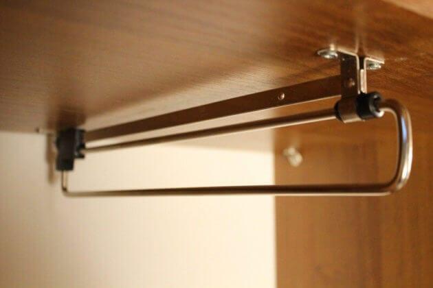 Штанга в шкаф для одежды