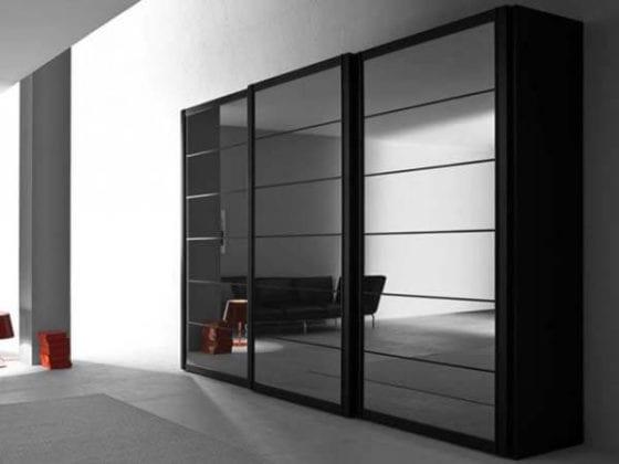 Черный шкаф-купе