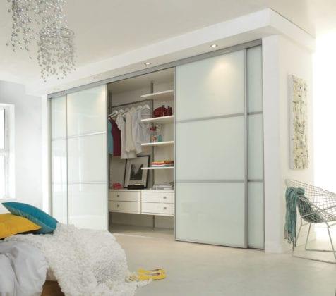 Шкаф-купе белый в спальню
