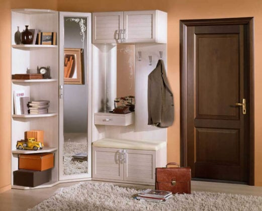 Шкафы угловые с зеркалом