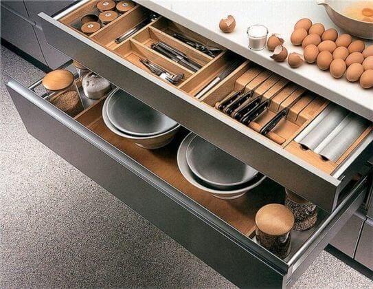 Внутреннее оснащение кухонных шкафов