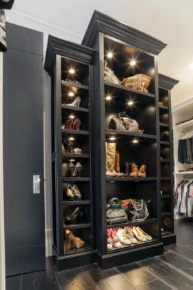 Черный стеллаж для обуви