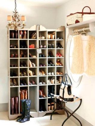 Удобный стеллаж для обуви