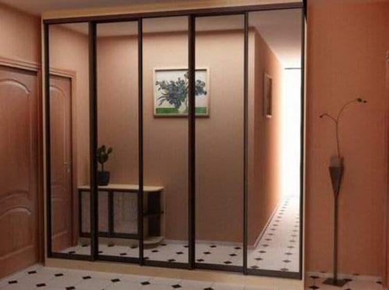 Шкафы с дверцами в прихожую