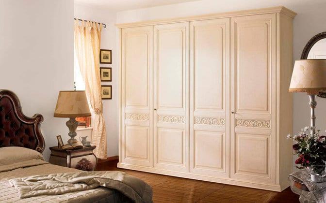 4-х дверные распашные шкафы